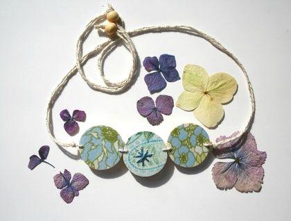 Vintage Vignette Blue Floral Circles Necklace