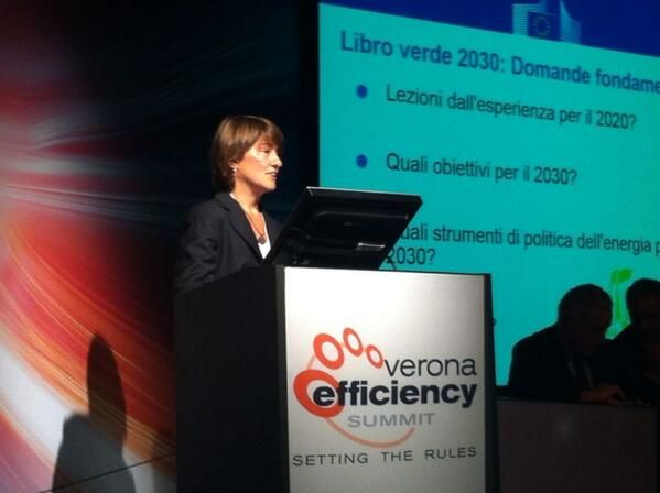 Claudia Canevari dell'@EU_Commission  al Summit #VES13 #Smartenergy