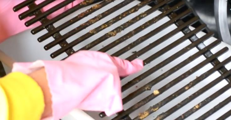 Truco para limpiar la parrilla, elimina la grasa quemada con 2 ingredientes