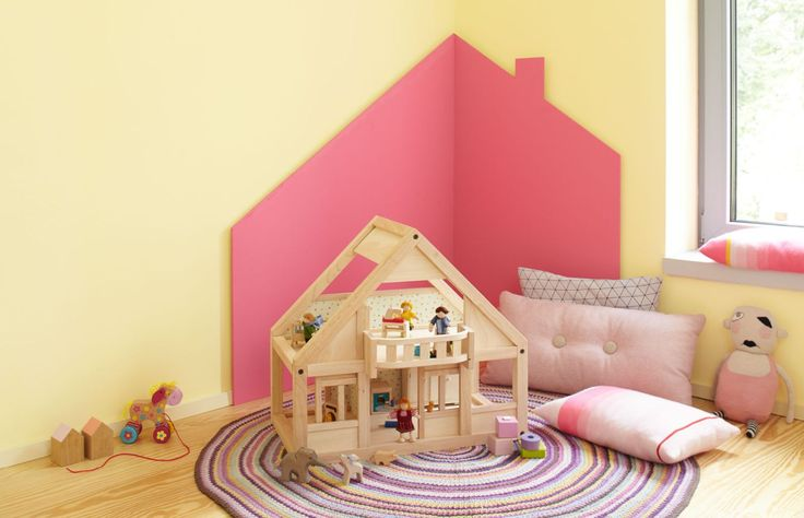 Warum nicht mal das Spielhaus auf die Wand malen oder mit MDF-Platen ausschneiden und an die Wand hängen?   Farbliche Akzente machen das Spielen im Kinderzimmer gleich viel angenehmer und wirken beruhigend auf die lieben Kleinen.   Wer keine Lust mehr auf das rosa Spielhaus an der Wand hat, hängt es einfach ab und muss die Wand nicht komplett neu streichen.     Alpina Farbenfreunde: Extra für Kinderzimmer entwickelt❗️