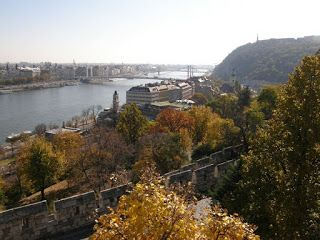 Past is Prologue : Beautiful Budapest: A Photographic Journey through...