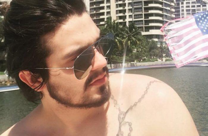 De férias Luan Santana posta foto sem camisa