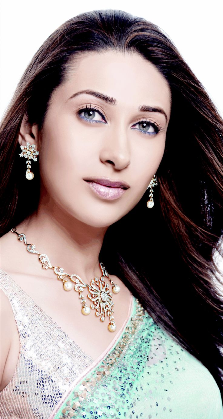 She is classy and I worship The Goddess in the form of Global Mega Star Respected Ms. KARISMA KAPOOR in Garnier ad commercial (https://www.youtube.com/watch?v=Fg1d6lZVcmE)