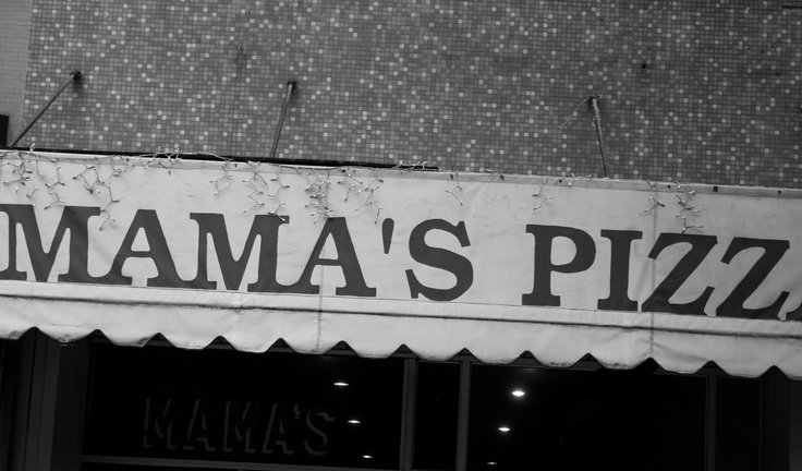 mama's pizza place (: