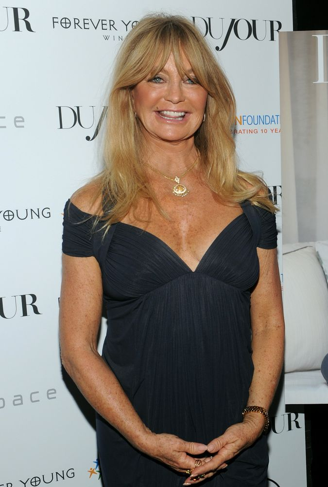 Gorgeous Celebrities Over 60 Are Proof Women Don't Necessarily Peak In Their Twenties! ;) No they don't...they just get better with age darling~<3
