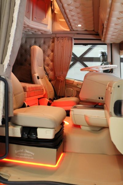 Nice colors american trucks interior pinterest nice for Interieur styling vacatures