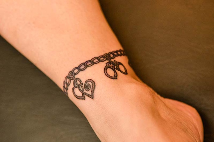 12+ Stunning Ankle bracelet tattoo with charms ideas