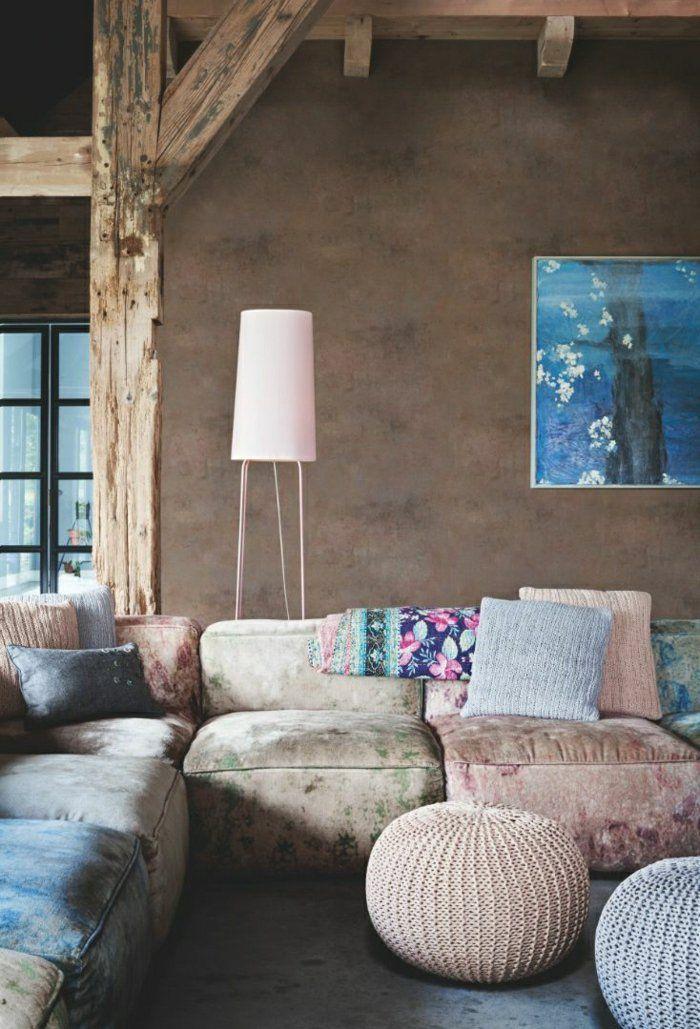 1-salon-avec-meubles-de-couleur-pastel-coussins-pastel-mur-beige-lampe-de-salon.jpg (700×1029)