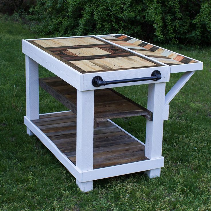 Diy Farmhouse Kitchen Island Table Made Of Repurposed Pallet Wood Fence Posts And Metal