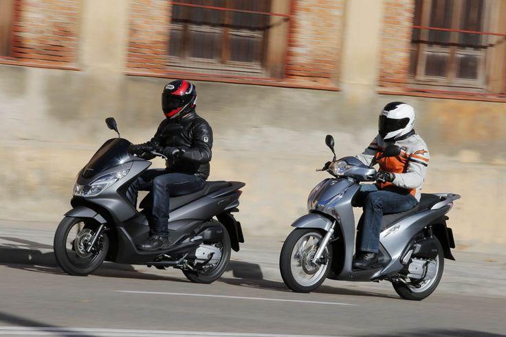 Comparativa: Honda PCX vs Honda Scoopy 125 ABS | Motociclismo.es