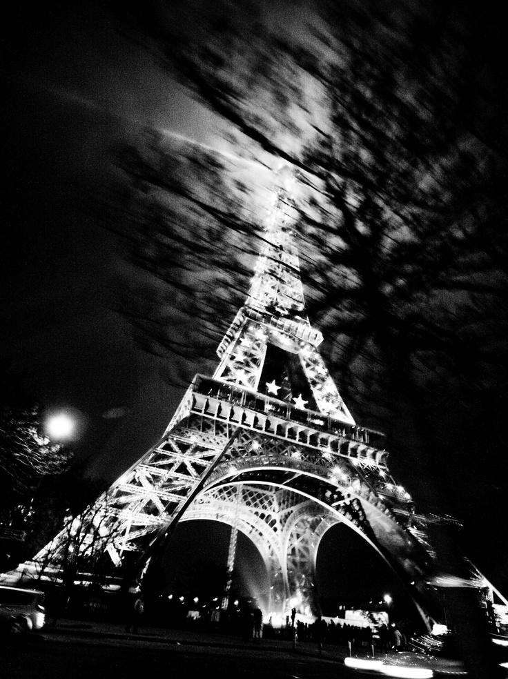 Hassan Kiyany - Bon Voyage Paris! 2008. S)