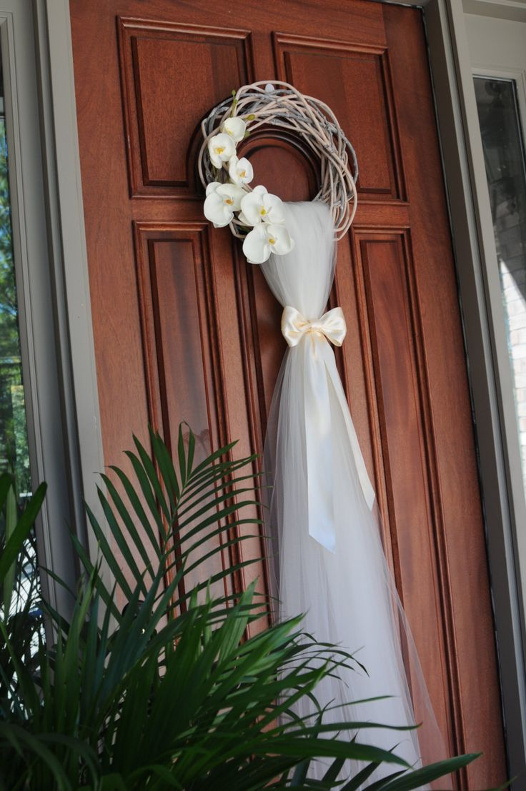 25 best ideas about wedding door wreaths on pinterest for 3 wreath door decoration