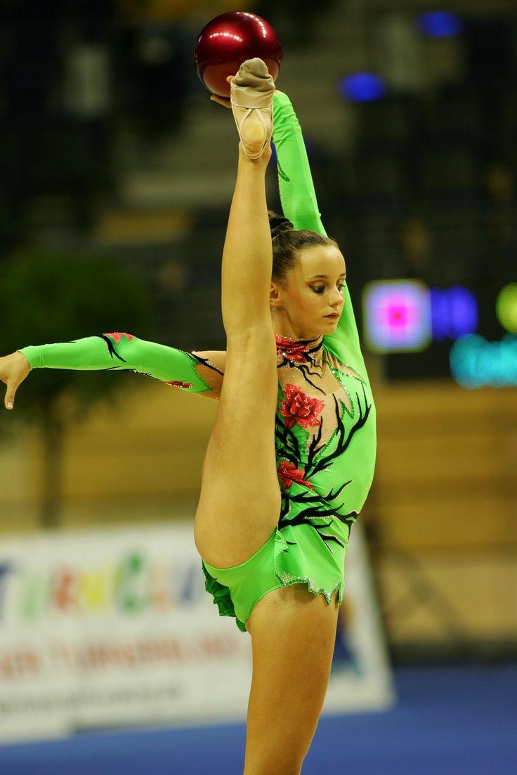 Художественная гимнастика в трусиках видео
