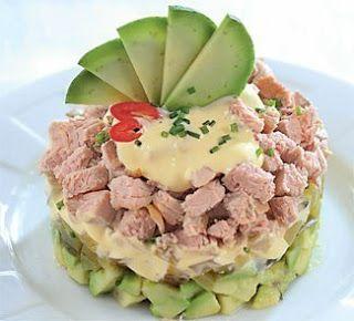 Самые вкусные рецепты: Слоеный салат из запеченного мяса с авокадо