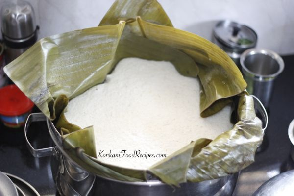 Idli steamed in a steamer. Steamer full of idli batter is steamed and are called rononu in Konkani - KonkaniFoodRecipes.com