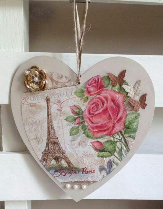 """Coeur """"Paris"""" à accrocher!"""