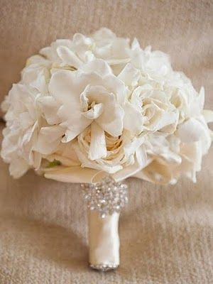 Gorgeous gardenia and rose bouquet...Love the sparkle detail