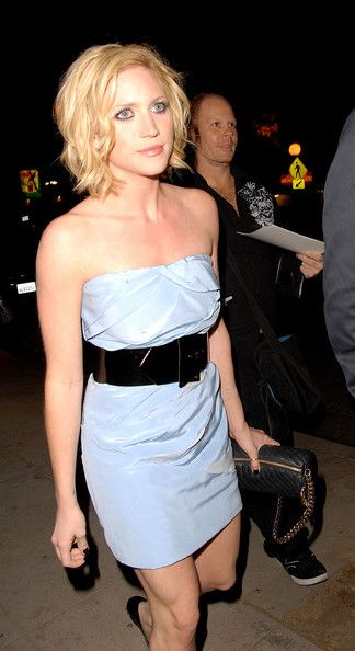Brittany Snow Short Wavy Cut - Brittany Snow Short Hairstyles - StyleBistro