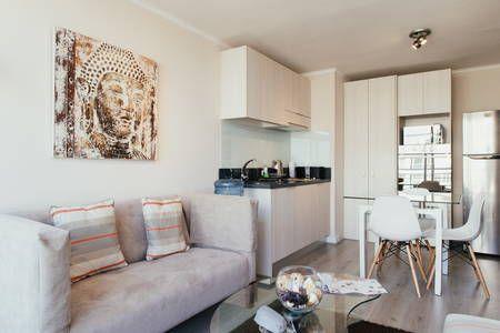 Échale un vistazo a este increíble alojamiento de Airbnb: Apt 21stfl 2 block Santa Lucia STGO - Departamentos en alquiler en Santiago