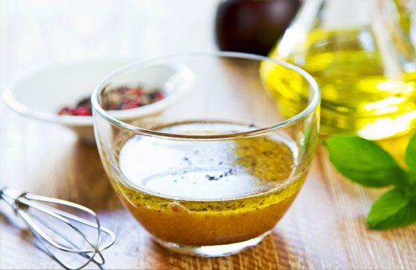 Il dressing shaker non sconvolgerà le vostre vite, ma sicuramente rivoluzionerà le vostre insalate. Dressing è il termine anglosassone per condimento e la sua applicazione va dal pinzimonio, alle verdure in generale, fino alle carni e al pesce. E fin qui tutto chiaro. Qual è la novità? Lo shaker per il condimento vi permetterà di …