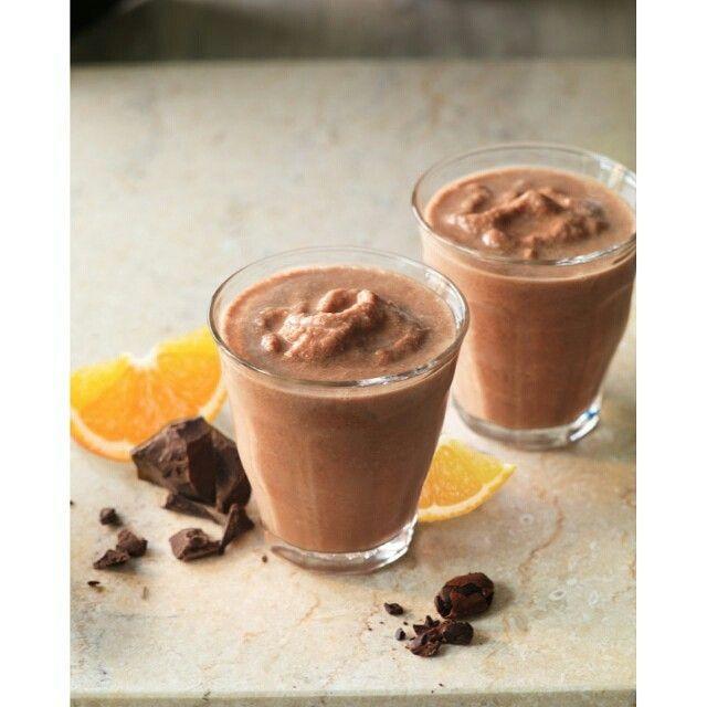 Have you tried our amazing CHOCO À L'ORANGE smoothie yet? Avez-vous essayé notre smoothie CHOCO À L'ORANGE?  #smoothie #chocolat #délicieux #santé #chocolate #orange #yummy #delicious #healthy #organic #liquidnutrition