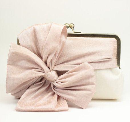 Bridal Clutch / Wedding Clutch / Bridesmaid!!! Bebe'!!! Love the bow!!!