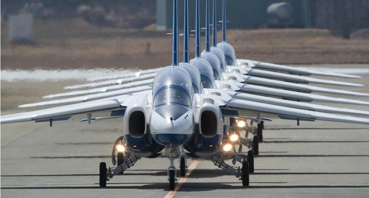 ブルーインパルス|フォトギャラリー|スペシャルコンテンツ|[JASDF] 航空自衛隊 (via http://www.mod.go.jp/asdf/special/photo_gallery/blueimpulse/ )