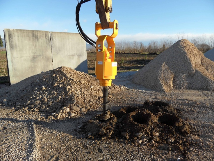 Augers for big excavators. Different diameters and lengths available. Suitable for every type of soil VIDEO http://www.youtube.com/watch?v=r-zd7WN06ls