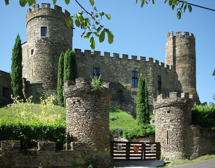 the Castle of Chouvigny - Chouvigny, Auvergne*-*.