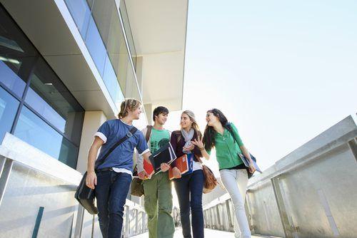 Welche Beratungsangebote gibt es für Studenten an der Uni? Wir zeigen, wer weiterhilft - egal, wo der Schuh drückt...  http://karrierebibel.de/beratungsangebote-fur-studenten/