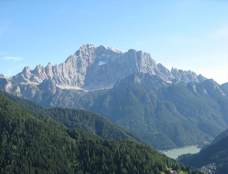 Vallata di Alleghe (con una piccola vista sul lago)