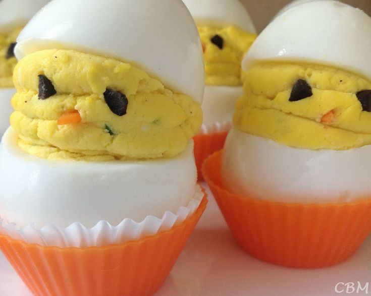 Dans la cuisine de Blanc-manger: Oeufs farcis Poussins de Pâques