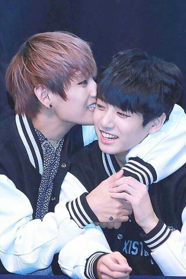Jungkook and V #BTS they are literally me and my best friend gender bent