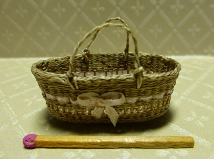 ••   Basketcase Miniaturas