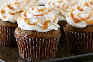 Pumpkin Spice Latte Cupcakes: Latte Cupcake, Annie Eating, Pumpkin Spice Latte, Spices Pancakes, Pumpkin Cupcake, Annies, Food Desserts Snacks, Pumpkin Spices Latte, Snickers Cupcake