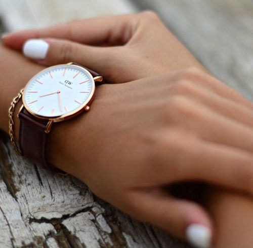 DW. For DW watches use SARAHOPPRECHT for 15% off all products at www.danielwellington.com. Valid for the first 50 customers only.