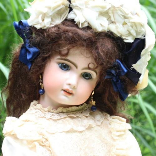 ANTIQUE-JUMEAU-BISQUE-DOLL-LARGE-JUMEAU-BEBE-1890-25-2-ORIGINAL-CLOTHES-DRESS