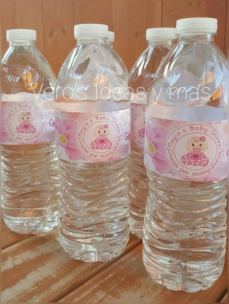 Botellas de agua personalizadas.