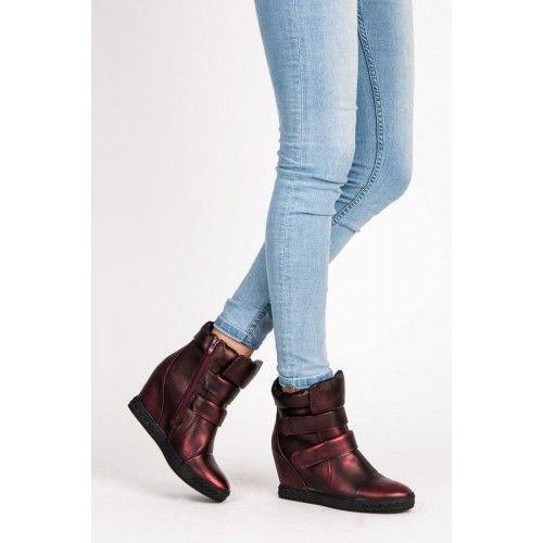 Dámské kotníkové boty Barakiel červené – červená Originální dámské kotníkové boty se skrytým klínkem a na platformě vás v zimě ochrání a dodají vám šmrnc. Boty na zip, ale i na suchý zip se hodí …