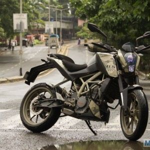 The KTM Duke, back in 2012, was quite an attention grabber as it was not a regular sight on the road. People would ask dozens of questions about the motorcycle and were awestruck by the design of the motorcycle. However, now, with skyrocketing sales numbers, the KTM Duke is quite a common sight and does not […]