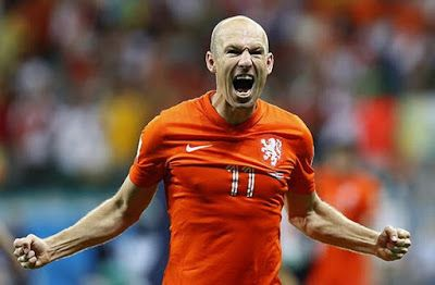 Palmarés Arjen Robben: 4 DFB Pokal(2009/2010 , 2012/2013 , 2013/2014 , 2015/2016) 5 Bundesliga(2009/2010 , 2012/2013 , 2013/2014 , 2014/2015 , 2015/2016) 1 UEFA Liga de Campeones(2012/2013) 2 Premier League(2004/2005 , 2005/2006) 1 La Liga Santander(2007/2008)