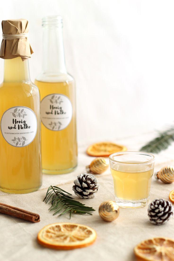 Likör selber machen? Das ist ganz einfach: z.B. mit diesem Rezept für Honig Likör mit Nelken. Muss nur wenige Tage ziehen! Ein super Geschenk aus der Küche.