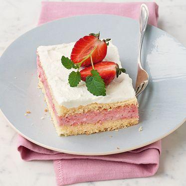 Erdbeer-Biskuit-Schnitten
