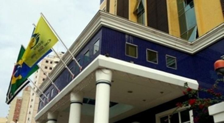 Euro Suit Hotel Campinas Centrally located in the financial centre, Euro Suit Hotel is just a 15-minute drive from Viracopos International Airport. It offers free Wi-Fi, a business centre and concierge services. The front desk operates 24 hours a day.