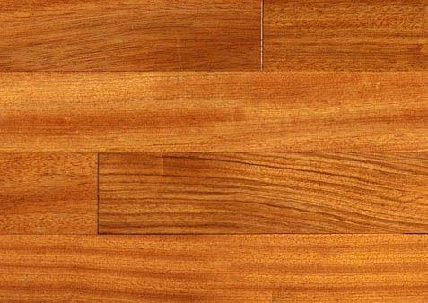 L'essence favorite des designers le Jatoba ou encore Cerisier Brésilien est une essence qui se démarque et qui offre une multitude de possibilités pour tous les décors. Disponible chez Planchers du monde pour la région de Montréal