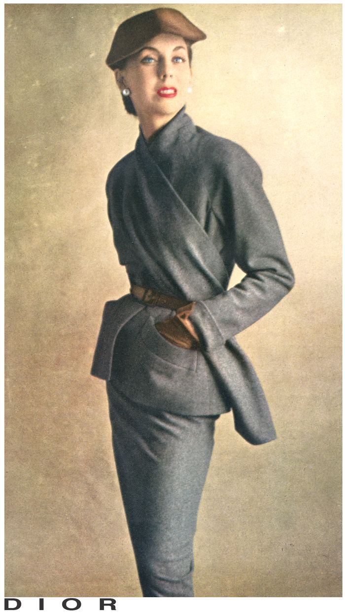 DIAGONAL SCARF Grey flannel suit by Dior Photo Irving Penn October 1950