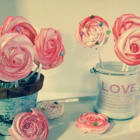 Rosenpops   Eiweissverwertung Der Anderen Art. Kreiere Wunderschöne Rosen  Pops Meringues Zum Valentinstag Oder Muttertag