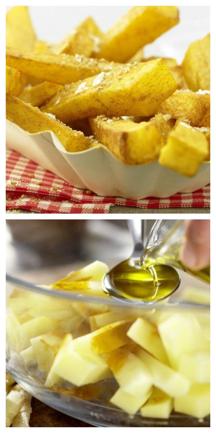 Kartoffeln waschen, schälen und in 1 cm dicke Stifte schneiden. Sofort in einer Schüssel mit Öl und Kurkuma mischen: Pommes aus dem Ofen mit Sesam und Meersalz | http://eatsmarter.de/rezepte/pommes-ofen