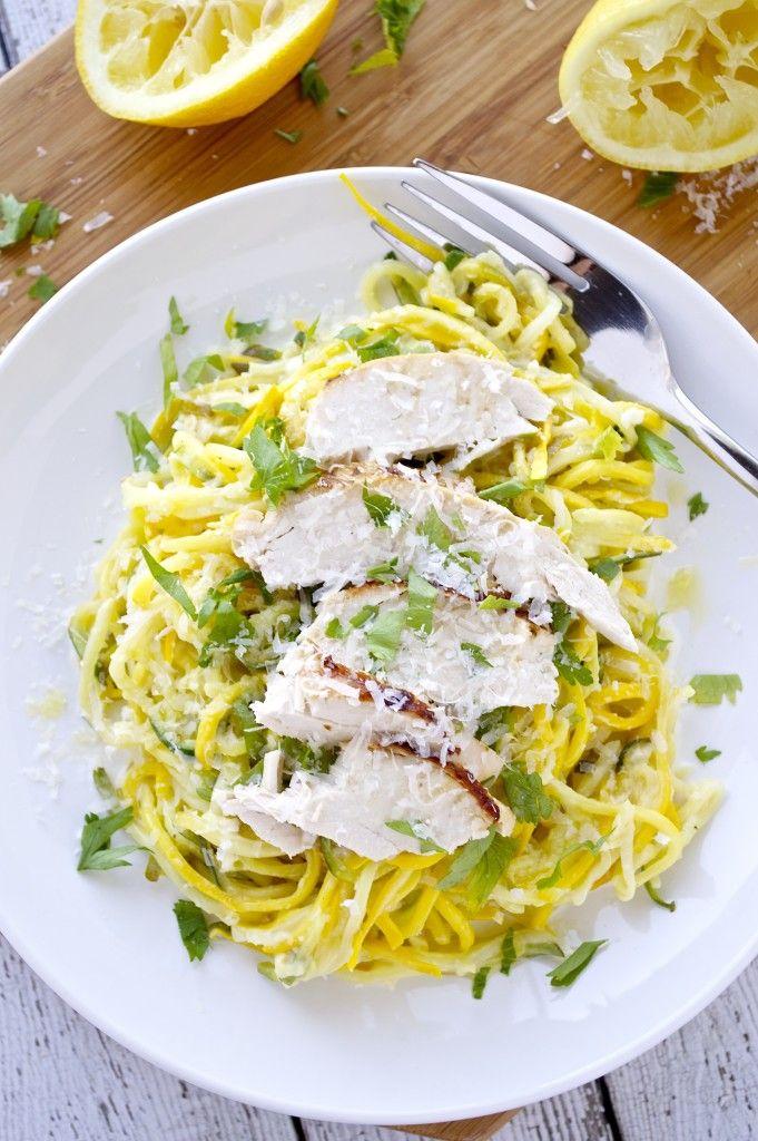 Van lasagne met courgetti tot een creamy avocado pesto courgetti, er is voor ieder wat wils. 1. Krokant gebakken gekrulde friet. 2. Taco courgetti. 3. Aziatische noedelsalade van courgette. 4. Mason jar courgetti-ramen. 5. Aziatische roerbak-courgetti met garnalen. 6. Courgetti met amandelboter en sesamzaad. 7. Courgetti met kip met koriander en limoen. 8. Caprese courgetti […]