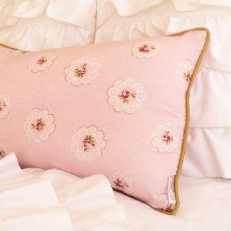 Georgia Rose Cushion - hardtofind.